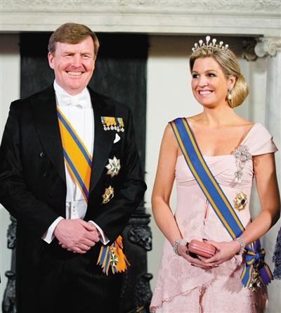 2014年3月22日,荷兰阿姆斯特丹,威廉·亚历山大夫妇为国家主席习近平的到访举行盛大的国宴。 图/东方IC