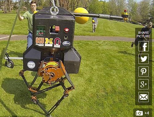 像人一樣走路的機器人:未來可當消防員(圖)