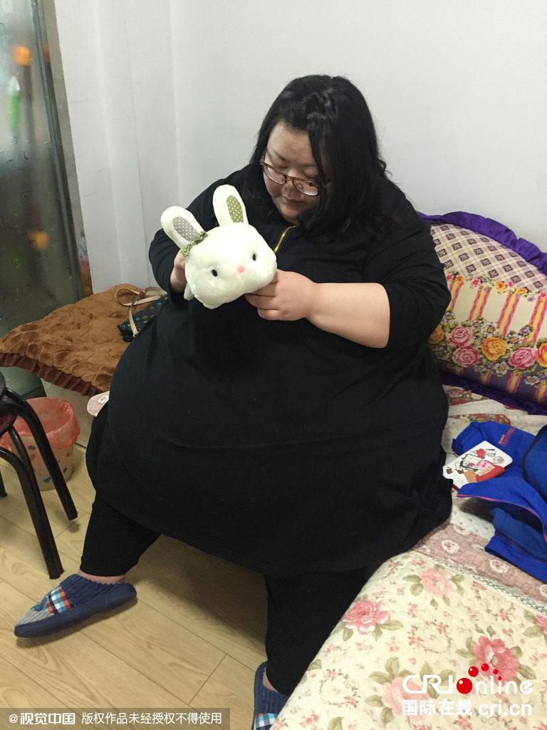 488斤中国第一胖切胃v麝香一顿吃100个串喝猫麝香咖啡图片图片