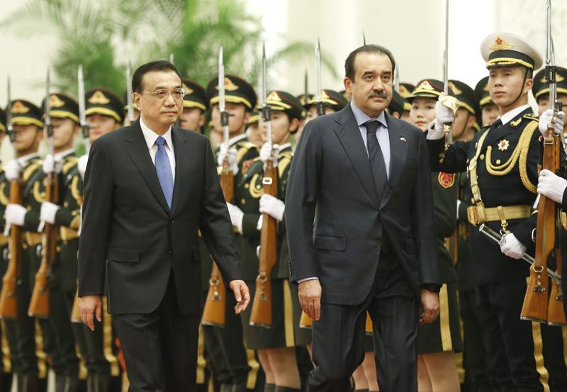 李克强同哈萨克斯坦总理马西莫夫举行会谈时强调