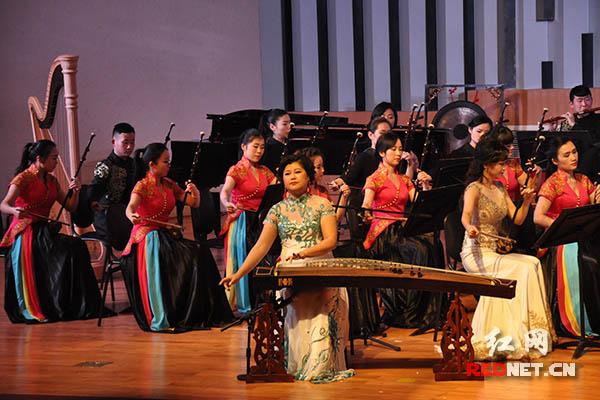 古筝与乐队《茉莉芬芳》,古筝演奏家李磊登台演奏.