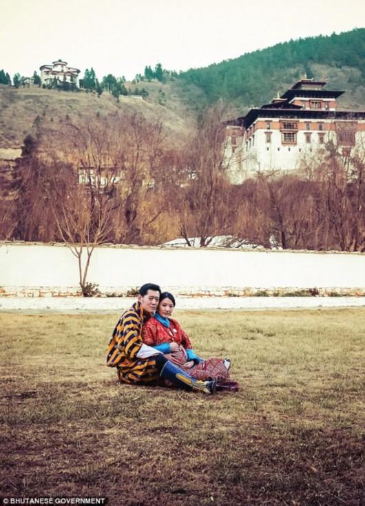 不丹王妃孕照曝光 揭秘不丹国王与王妃童话般爱情[图]