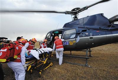 京津冀特大交通事故紧急医疗救援联合拉动演习。