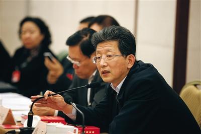 昨日,北京市委常委、市委秘书长、副市长张工参加小组讨论。