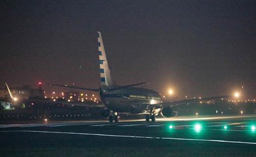 马英九专机早上6时在松山机场起飞。图片来源:台湾《中时电子报》
