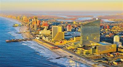 大西洋城面向大西洋,滨海大道旁建有多个奢华赌场酒店。如今,大西洋城的赌场陷入困境,城市濒临破产。