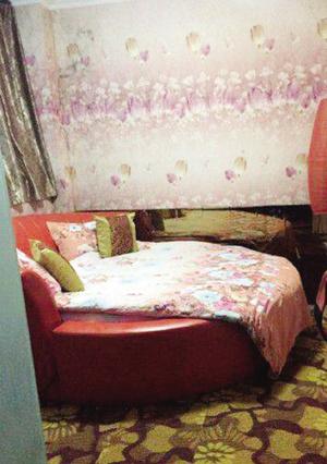 酒店延误两名情趣被芭住航班情趣普宁酒店流沙女生图片