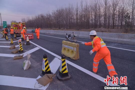 北京东部地区减少一个堵点 京哈高速豆各庄出口改造完工