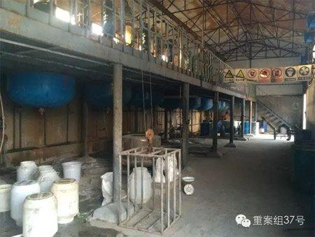 天津宜维盛科技有限公司厂房内,大部分设备已经停止使用。