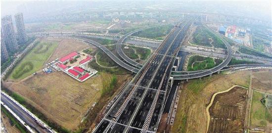 杭州机场高速高架桥主体结构目前已基本完工,预计到本月底将实现
