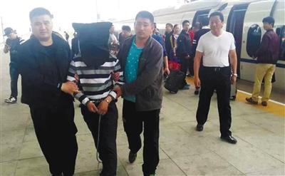 经过警方全力抓捕,犯罪嫌疑人徐增志于4月24日晚上11时30分许,在北京被警方控制。后被押解回江苏。图/东方IC