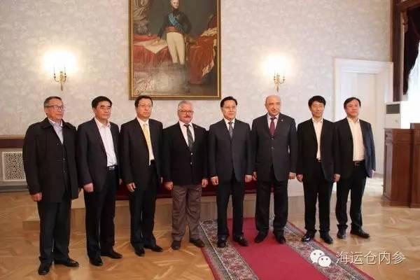 王东明一行人在俄罗斯访问
