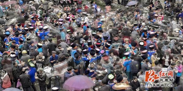 """凤凰县""""三月三""""马兰(情人)节摄影抓拍比赛作品揭晓"""
