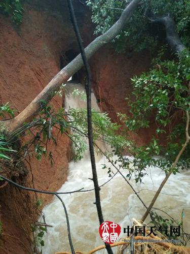 湖南强降雨致部分水库超汛限 今天湘南仍有大到暴雨
