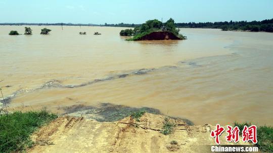 洪水围困鄱阳 县委书记:仍有1.6万人急需救助