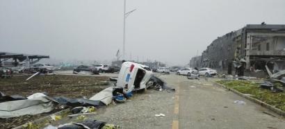 罕见龙卷风袭击江苏已有78人遇难
