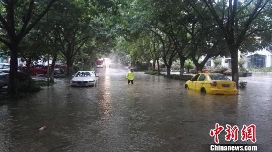 乌江部分航段水位将涨10米 重庆拉响暴雨洪灾Ⅲ级预警