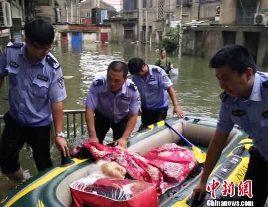 江苏暴雨洪涝灾害已造成29.9万人受灾2.8万人紧急转移