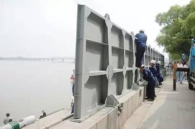 2011年哈尔滨防汛闸板装置练习训练