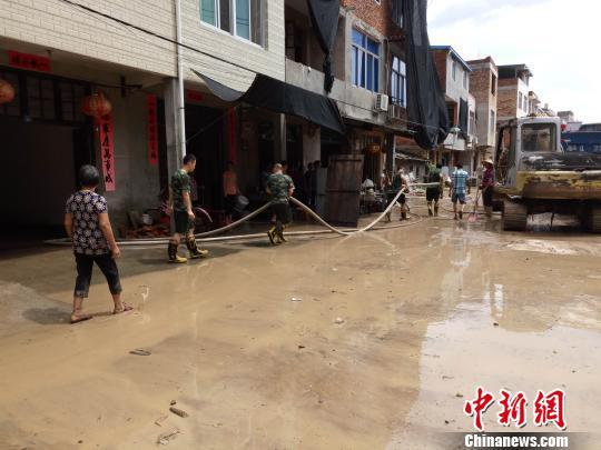 台风过后:福州闽侯县灾后重建有序开展