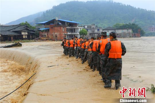 第31集团军:沿着失联抗洪勇士刘景泰的足迹救灾