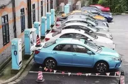 电动汽车的保值率影响因素