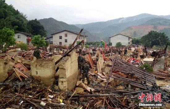 """台风""""尼伯特""""重创福建 致12人死亡22人失踪"""