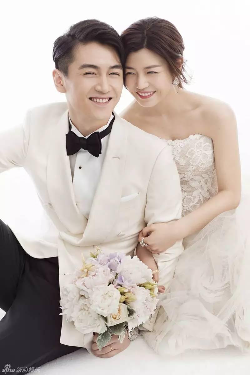 新娘伴娘婚纱姐妹照片