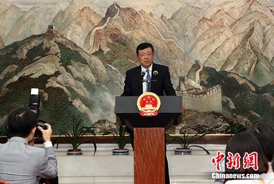 图为中国驻英国大使刘晓明。 中新社记者 周兆军 摄