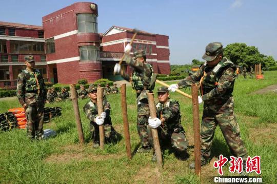 临战训练。 刘凯 摄