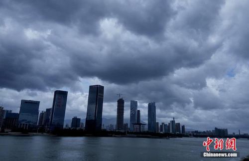 台风妮妲今日正面直扑珠三角 广东多城停产停课
