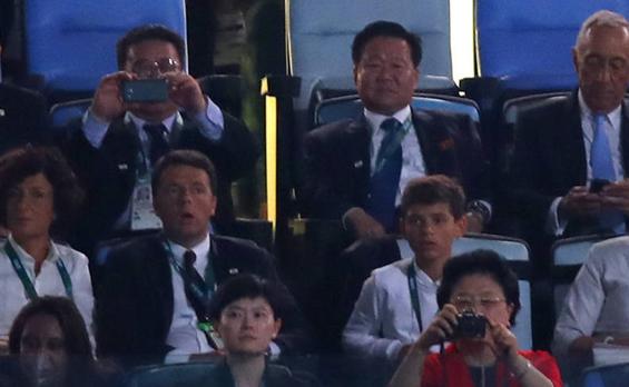 2016年8月6日,巴西里约奥运会开幕式举行,朝鲜劳动党中央委员会副委员长崔龙海现身奥运开幕式现场。