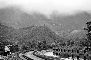 与云居寺比邻的石经山景区向游人试开放,到今年年底一直免费。