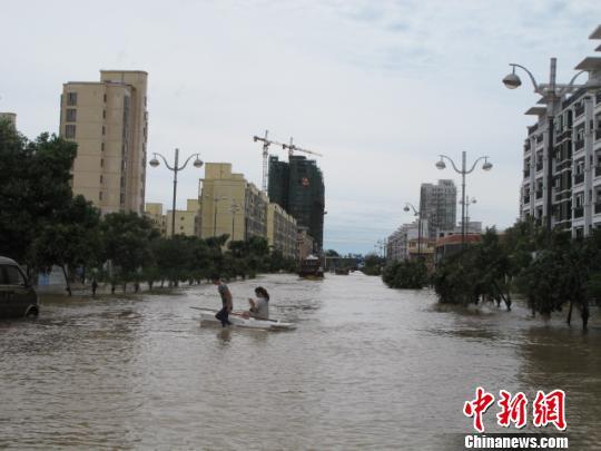 海南临高县医院被洪水围困断电断水
