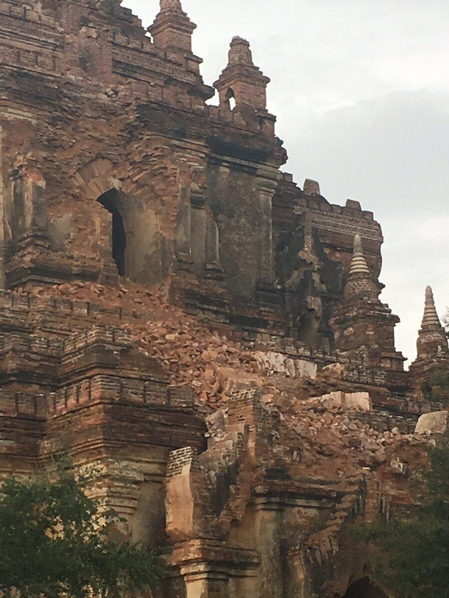 缅甸发生6.9级地震 蒲甘一寺庙因地震损毁