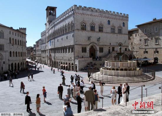 意大利强震已致至少2人死亡 半个小镇不复存在
