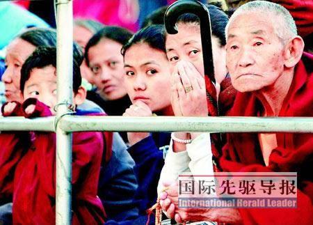 """达兰萨拉的""""流亡藏人""""对他们的未来感到很迷茫。"""