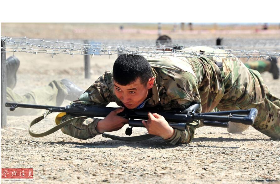 """美媒:中国陆军狙击手训练:新模式让""""天才射手""""脱颖而出"""