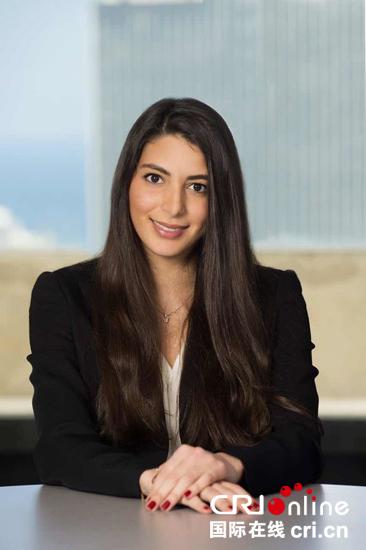 黎巴嫩法兰萨银行策略和谐仁攀拉达杜克密斯接收记者采访