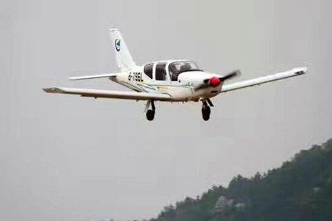 下午,石家庄通用航空展暨爱飞客飞行大会上,一架飞机坠落至玉米地内