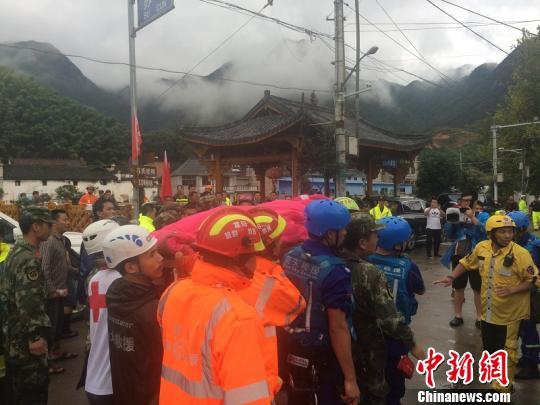 浙江遂昌山体滑坡已致26人失联1人遇难。 奚金燕 摄