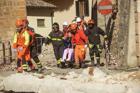意大利中部发生6.5级地震