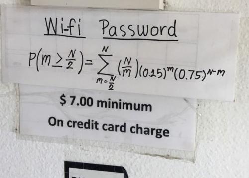 想用免费WiFi先做数学题 美餐厅耍花招难倒网友