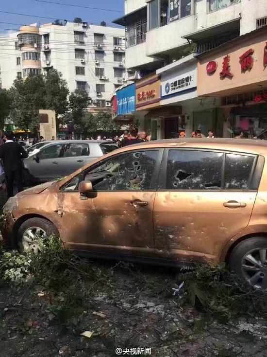 浙江温州一店面发生煤气爆炸 6人受伤