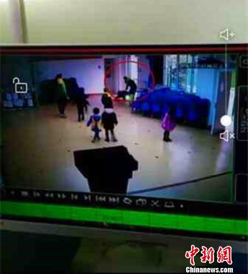 河北邢台幼教老师体罚学生被开除 幼儿园被整改