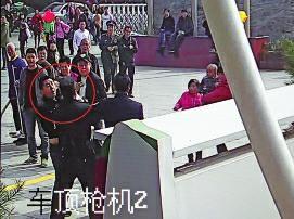孩子玩闹引双方家长互殴 民警劝架遭袭击(图)
