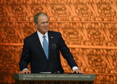 小布什未投票给特朗普和希拉里 特朗普称难过