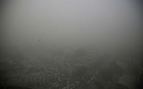 美媒:中印雾霾带火瓶装空气 已在华售出12万瓶