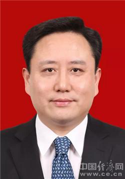 上海松江区新一届区委常委简历(书记程向民 副