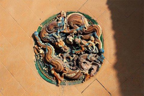 源神庙明代琉璃壁心照片。图片源于网络